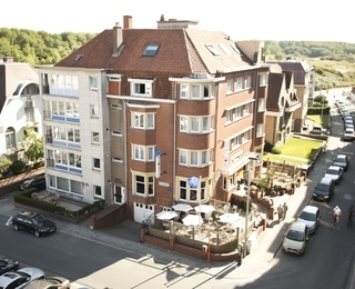 front Hotel Du Soleil