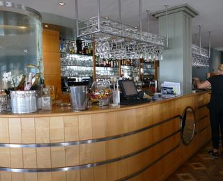 Albert bar