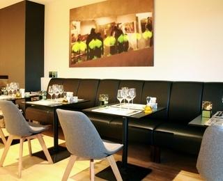brasserie Couteau Tisch
