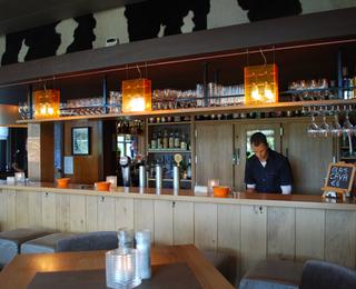 Brasserie Livingroom 102 bar