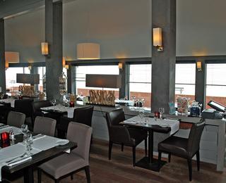 Brasserie Point Du Vue interior