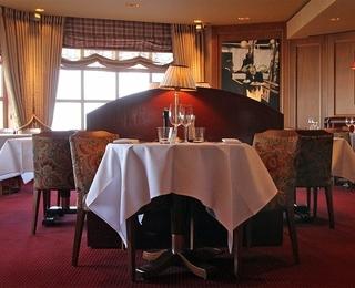 Brasserie Rubens table