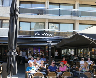 Brasserie Carlton façade