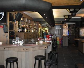 Dino's bar
