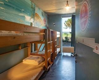 slaapkamer Lakeside Paradise Sport Hostel