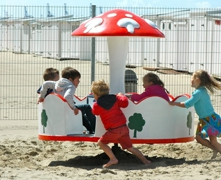Kid's Beach Sterrenlaan Draaimolen