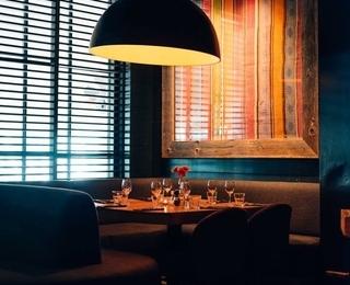 Knokke-Out Tisch