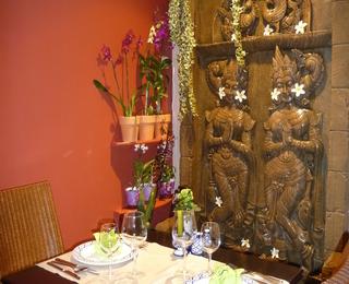 Orchidee Thai table